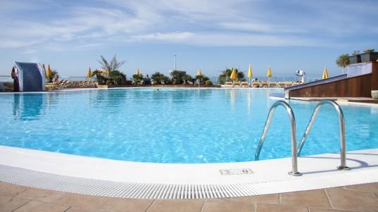 Reforma piscina y solarium hotel riosol puerto rico im obras - Piscina las palmas de gran canaria ...